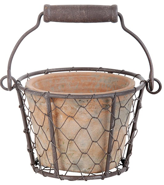 Esschert Design Aged terracotta pot in wire basket/handle (AT09 - 8714982066177) | Trends & Vision