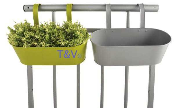 Esschert Design Balcony planter with hooks ass. (BL075 - 8714982095948) | Trends & Vision